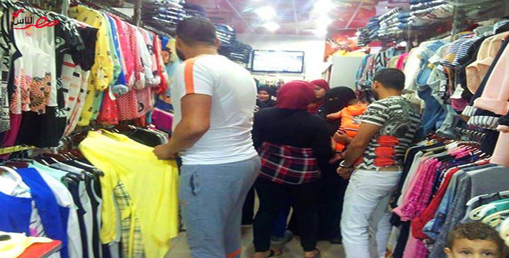محل ملابس جاهزة فى بورسعيد - تصوير: أحلام المنسي