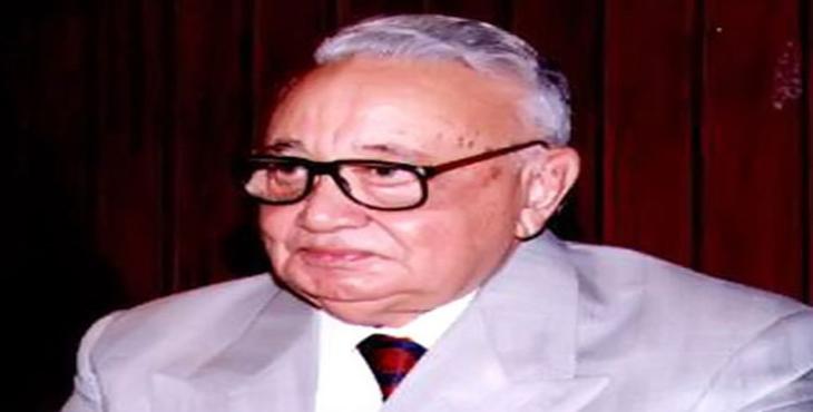الدكتور الراحل ثروت عكاشة، وزير الثقافة الأسبق-صورة أرشيفية