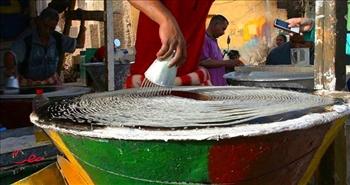 عائلة «المدهش» أول وأقدم عائلة تصنع الكنافة اليدوية بأسوان